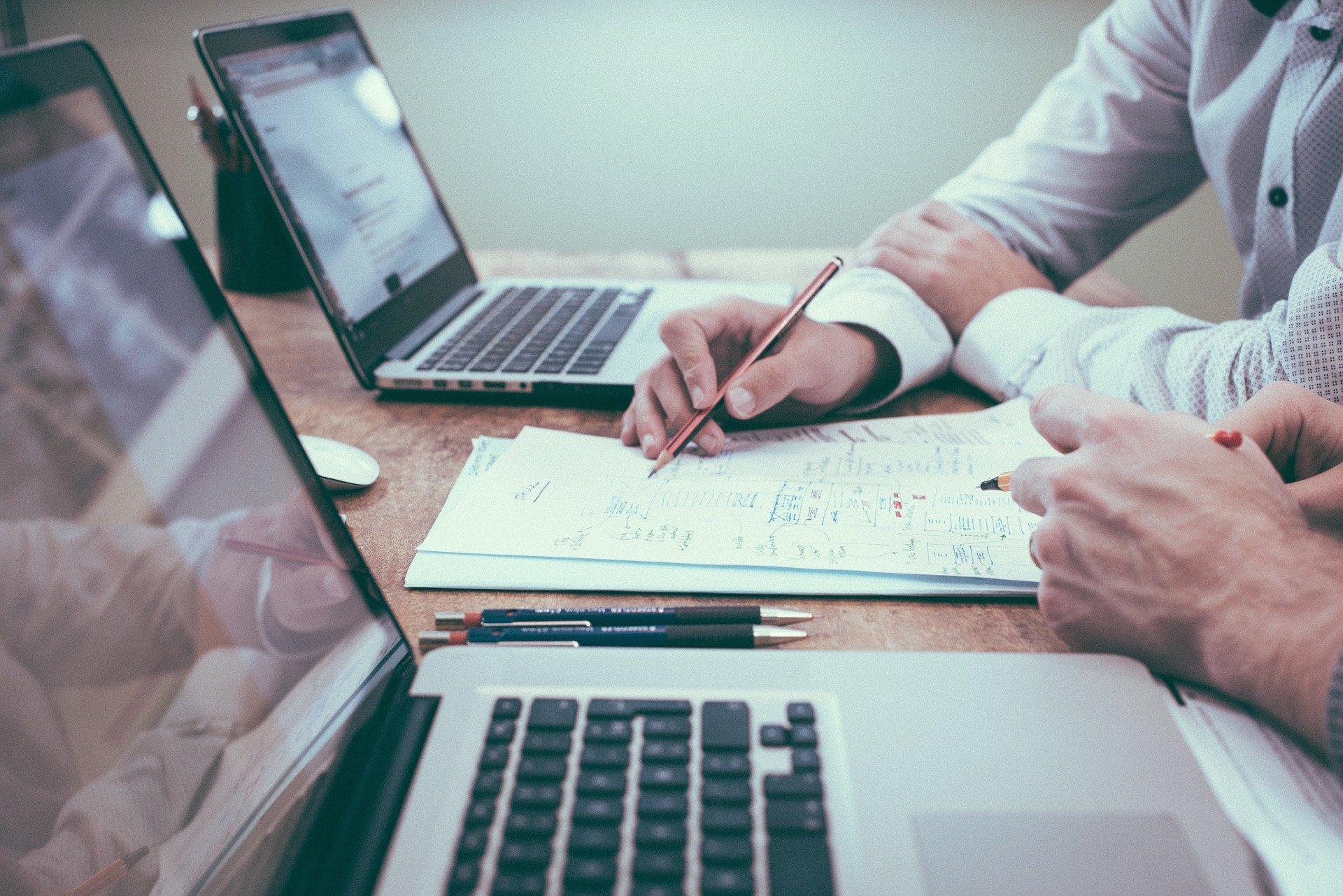 Características reestructuración empresarial